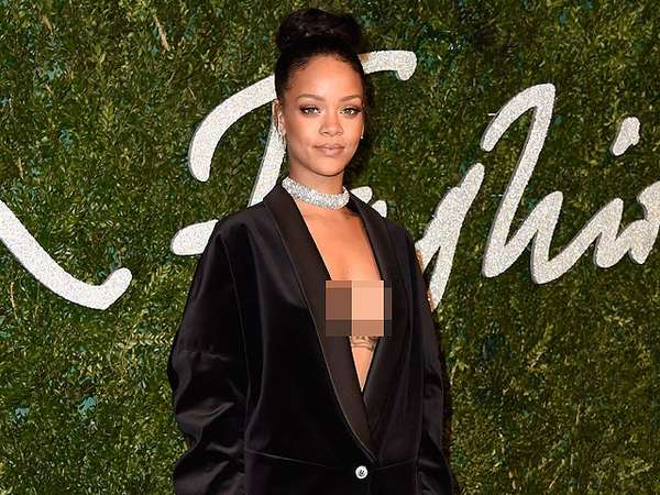 Rihanna Tanpa Bra di British Fashion Awards 2014