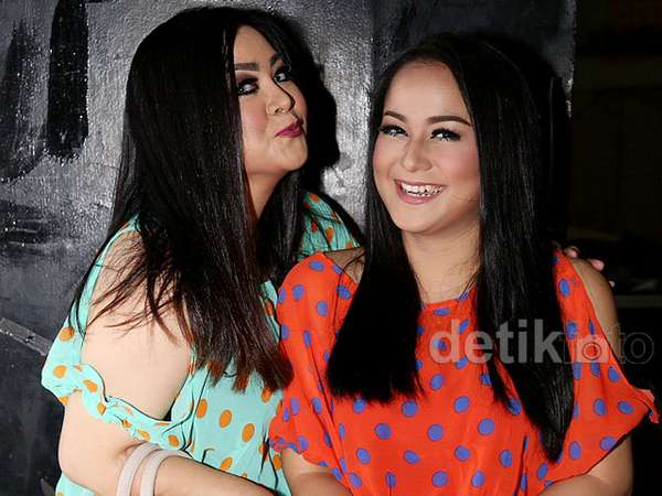 Like Mother Like Daughter, Gaya Polkadot Annisa dan Juwita Bahar