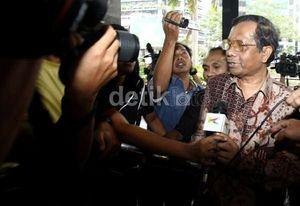 Kasus Pilkada Tapteng, KPK Periksa Eks Ketua MK Mahfud MD