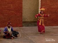 Terpesona Penari Bali di Amphiteater GWK