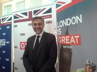 Moazzam Malik, Dubes Inggris untuk RI Pertama yang Muslim dan Gemar Lotek