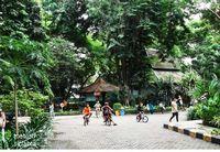 Cara Keliling Surabaya Seharian Bareng Keluarga
