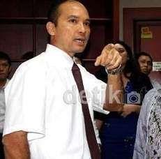 Tiba di PN Jakpus, Hotasi Nababan Ajukan PK