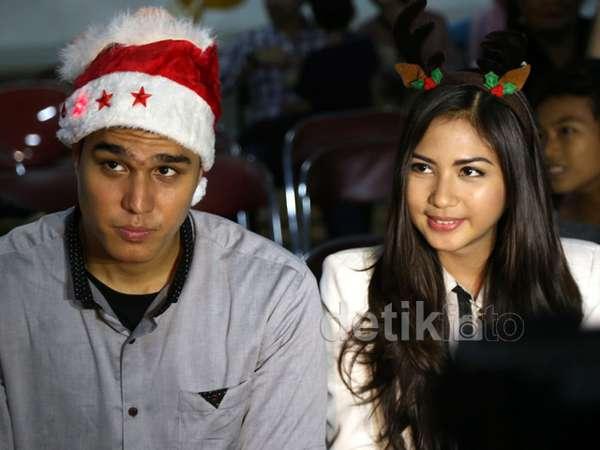 Aww, Jessica Mila Rayakan Natal dengan Mischa Chandrawinata