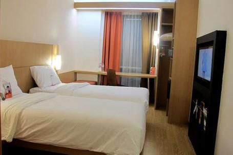 Asyik harga 7 hotel ini di bawah rp 1 juta saat tahun baru for Dekor kamar hotel ulang tahun
