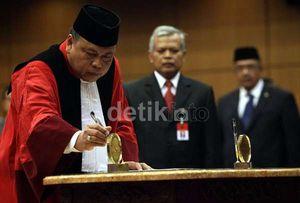 Arief Hidayat, Pendidik yang Jadi Ketua Mahkamah Konstitusi