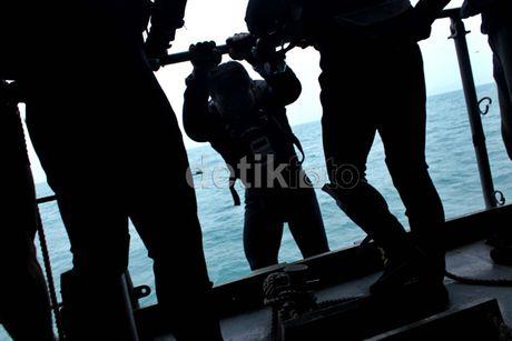 Bodi Besar Pesawat Ditemukan Penyelam TNI AL, di Dalamnya Ada Jenazah