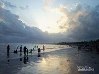 Cantiknya Sore di Pantai Pangandaran