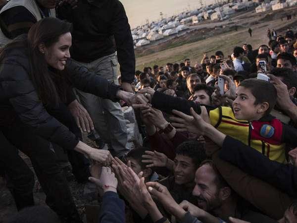 Angelina Jolie Kunjungi Korban ISIS di Irak