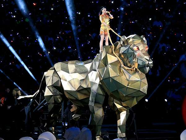 Roar! Penampilan Wow Katy Perry di Super Bowl XLIX