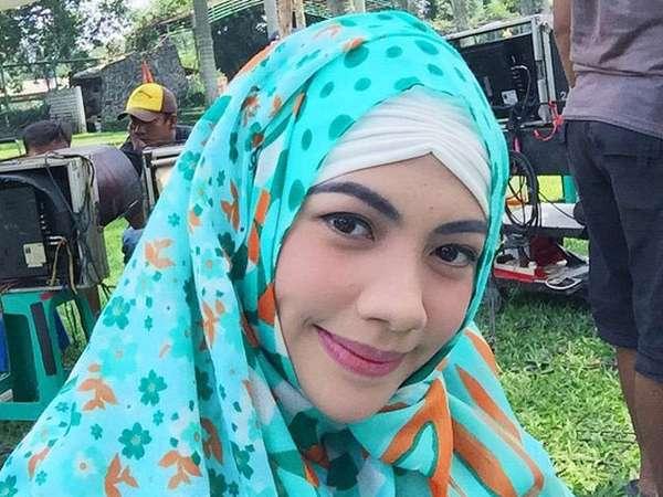 Kezia 'Cherrybelle' Tampil Berhijab