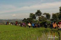 Akhir Pekan Ini, Rasakan Serunya Daki Gunung Rakutak di Bandung