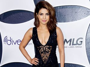 Priyanka Chopra Superseksi di After Party Grammy 2015