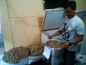 Polisi Amankan Pasutri di Rumah Produksi Bakso Celeng di Bandung