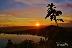 Sunset Seperti Lukisan dari Gunung Purba Yogyakarta