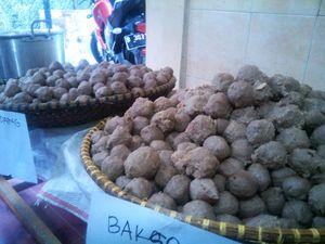 Tak Patut Ditiru! Ini Trik Licik Tati Pasarkan Bakso Celeng di Bandung