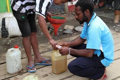 Harga BBM Sudah Diturunkan, di Puncak Papua Tetap Rp 50 Ribu per Liter