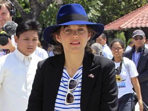 Marion Cotillard Kampanyekan Perubahan Iklim di Filipina