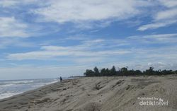 Pantai Lama Muda yang Asyik Buat Piknik di Aceh