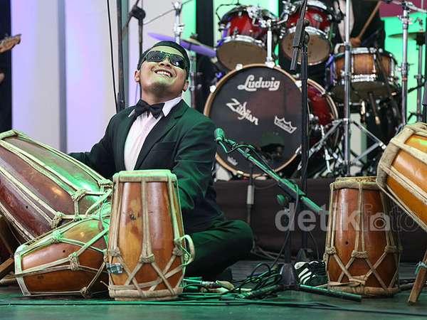 Farrah Di & Jei Angklung Feat Sol Project Buka Java Jazz 2015