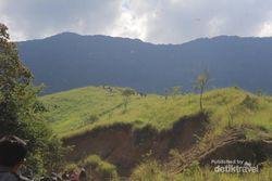 Trekking Seru ke Puncak Kuta Malaka di Aceh