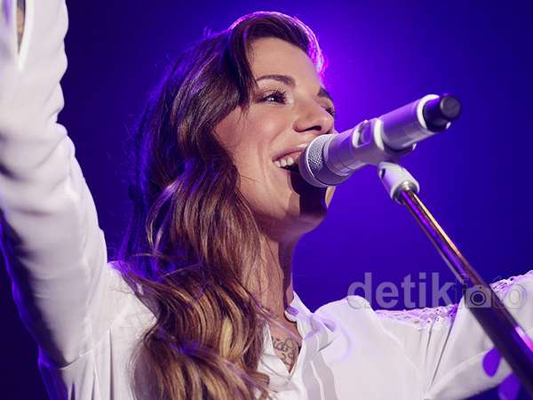 Nyanyi Bareng Christina Perri di Java Jazz 2015 Hari Ketiga