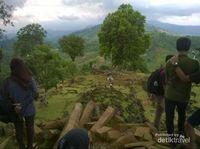 Sudut-sudut Gunung Padang yang Misterius