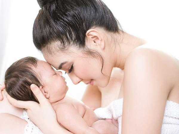 Mother's Love... Potret Kebersamaan Gisel dan Putri Kesayangannya