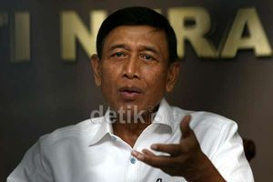 Ketum Hanura Wiranto Tiba-tiba Muncul di Kantor Wapres