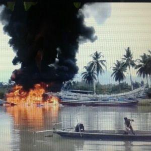 ABK Merokok Sambil Isi BBM, 2 Kapal Nelayan Terbakar di Padang
