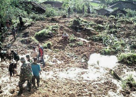 Berbagai Penampakan Rumah Rata dengan Tanah Akibat Longsor di Sukabumi