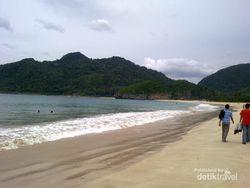 Lampuuk, Pantai Sisa Tsunami yang Tetap Cantik