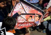 Turis Sering Ciuman Depan Umum, Warga India Protes