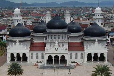Jadi Destinasi Wisata Islami, Aceh Berani Bidik Berapa Wisman?