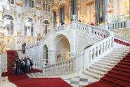 10 Istana Keren yang Paling Banyak Dikunjungi Turis (2)