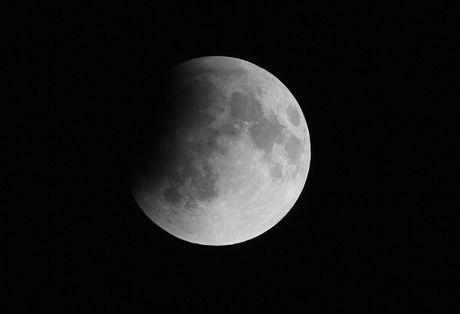 Gerhana Bulan Total akan Terjadi di Indonesia pada 4 April Mendatang
