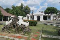 Tempat Mainstream Wisatawan Saat Traveling ke Cirebon