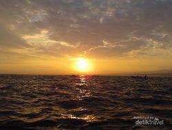 Libur Akhir Pekan ke Bali, Wajib Datangi Pantai Lovina