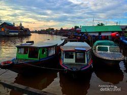 Menikmati Senja di Sungai Kuin, Banjarmasin