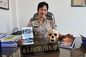 Pengalaman Mengharukan AKBP Hastry, Nangis saat Autopsi Jenazah Atasan