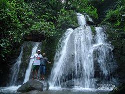Melihat Batu Batirai, Air Terjun Bertingkat nan Indah di Padang Panjang
