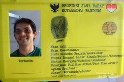 Coba Bikin KTP Raksasa di Bandung