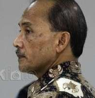 MA Perberat Hukuman Mantan Deputi Gubernur BI Jadi 15 Tahun Penjara