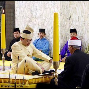 Pangeran Abdul Malik dan Dayangku Raabiatul Resmi Menjadi Pasutri