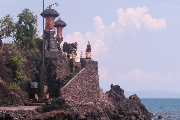 wisata batu bolong lombok
