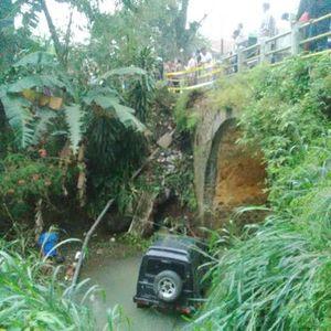 Selama 2015, 10 Kendaraan Tercebur ke Sungai di Jembatan Menuju Gunung Padang