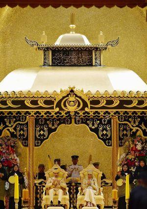 Bak Dongeng, Resepsi Royal Wedding Brunei Bertabur Perhiasan Mewah