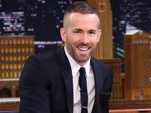 Duh! Ryan Reynolds Jadi Korban Tabrak Lari oleh Paparazi