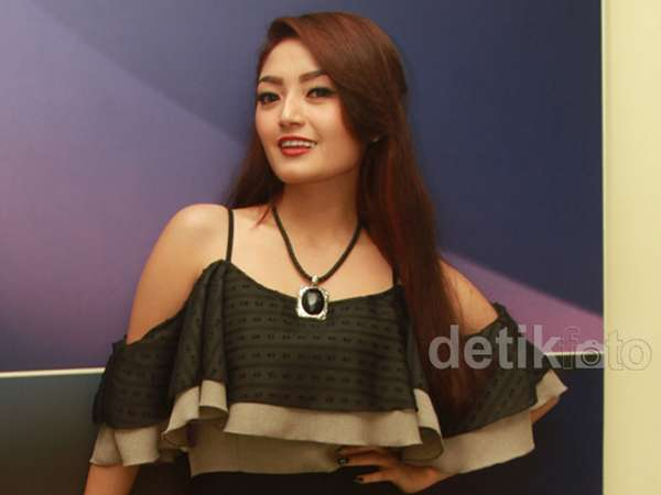 Siti Badriah Jomblo Lagi, Mau Daftar Jadi Pacarnya?