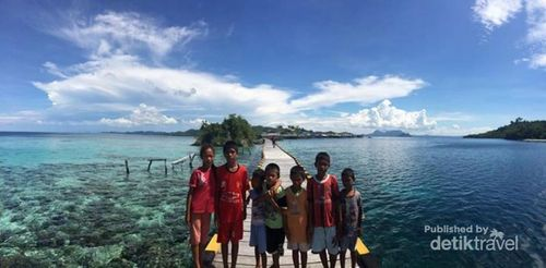 Traveling Sambil Beramal di Kepulauan Togean